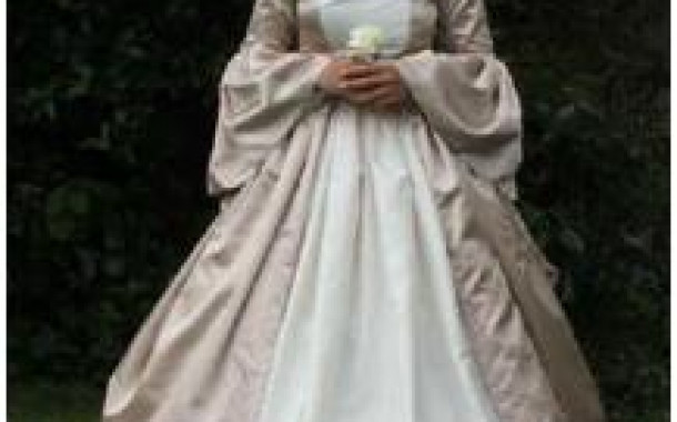 Where can I find a wedding dress Renaissance?