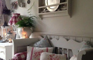 White wooden bench Shabby Chic