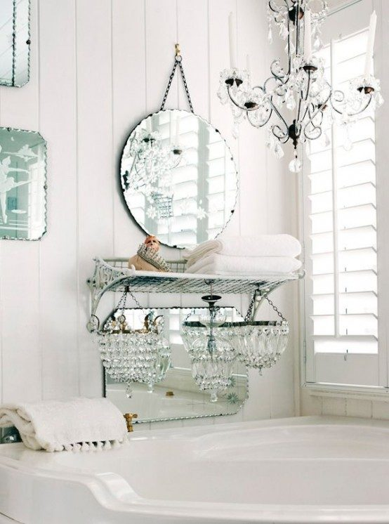 chandaliers-are-also-great-for-shabby-chic-interiors-1332973