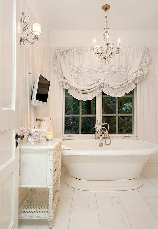 modern-approach-to-a-shabby-chic-bahtroom-design-2479807
