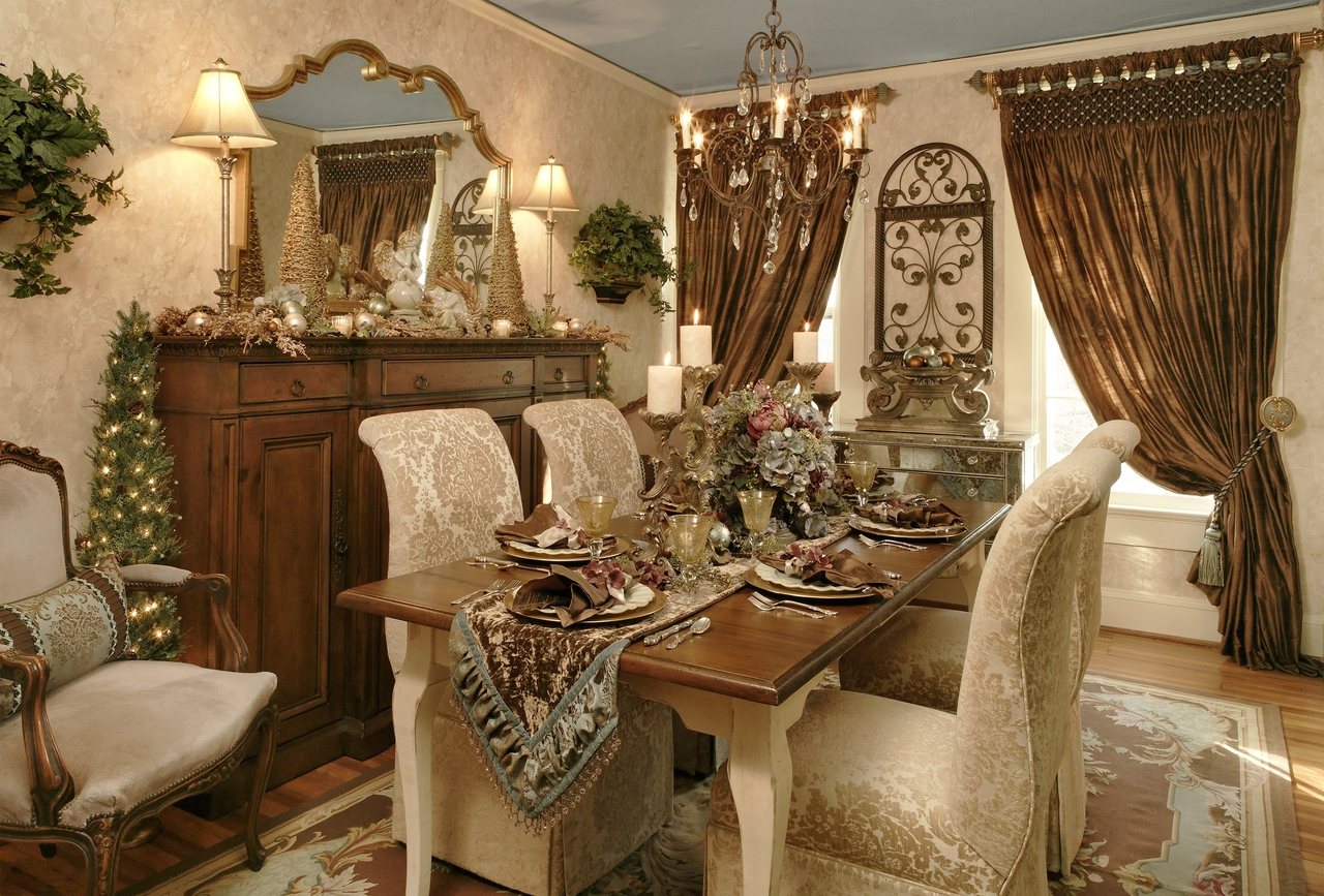 Sala da pranzo arredamento classico for Decorating your dining room ideas